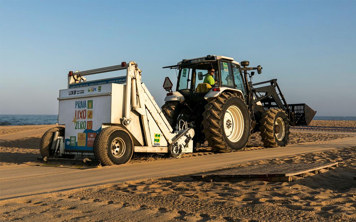 suma-limpeza-praias-mecanica-areal